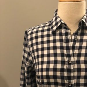J Crew Gingham Classic Boy Fit Button Down Top